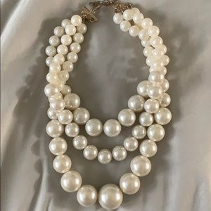 Faux chunky pearl necklace